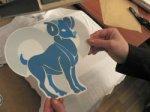 Нанесение изображения на футболку с помощью термотрансфера.
